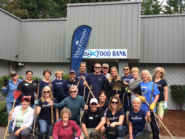 Windermere Real Estate Gig Harbor_Community Service Day_Fish Food Bank